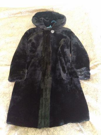 Шуба из мутона черного цвета