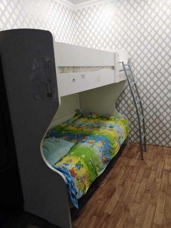 Двухярустная кровать.