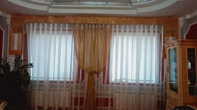 Продам шторы  в стиле хай-тек в хорошем состоянии