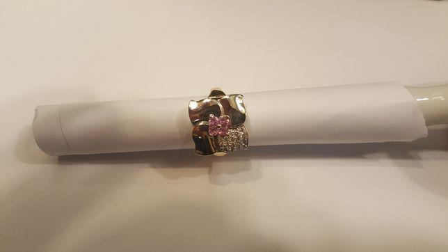 Inel 18 k, 12,46 g, cu 17 diamante.