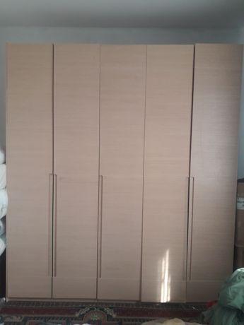 Продам шкаф высота 2 на 30 ширина 2.40. Толщина 60