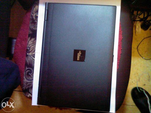 Laptop Fujitsu Amilo 1703 functional si carcasa Fujitsu Amilo D1845