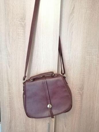 кожена дамска чанта в бордо