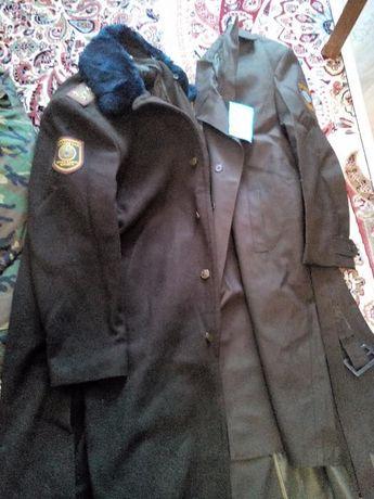 Продам офицерское пальто в идеальном состоянии б/у и плащ новый