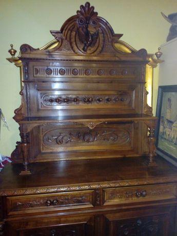 Dulap vechi, vintage sculptat lemn