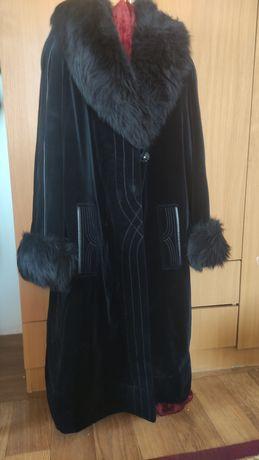 Пальто продам цена договорная чистая состояние отличное одели пару раз