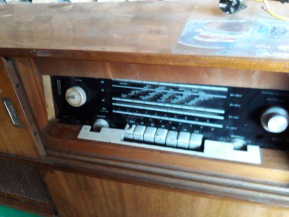 Радио с грамофон Лира 68