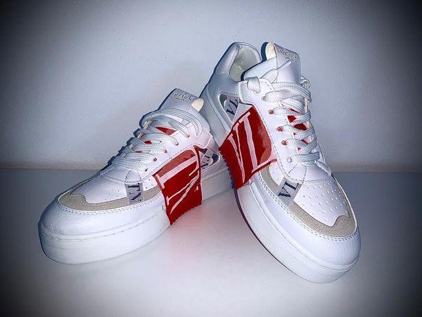 Sneakers • VALENTINO•  Toate mărimile disponibile , calitate superioar