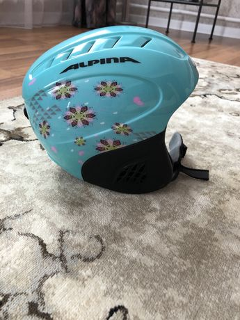 Продам горнолыжный шлем детский 5-8 лет