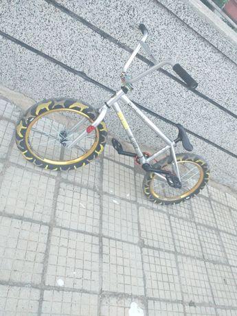 Продавам BMX в отлично състояние