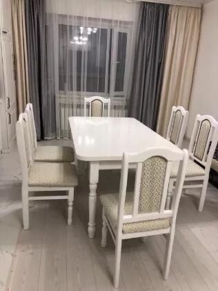 Продам НОВЫЙ раздвижной Стол и 6 Стульев