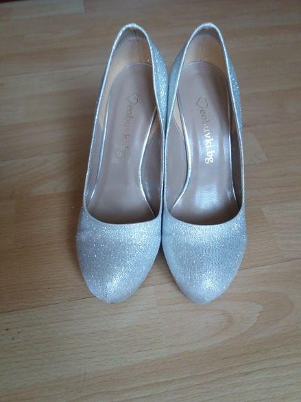 Комплект обувки с чантичка