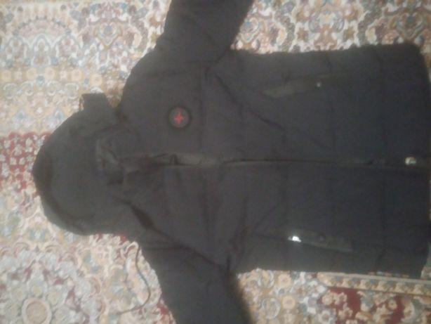 Продам 3Куртки новые-2зимние и одна осень