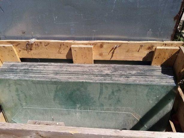 Стеклянные полки 120 см на 50 см