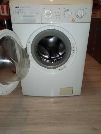 Mașina de spălat rufe Zanussi