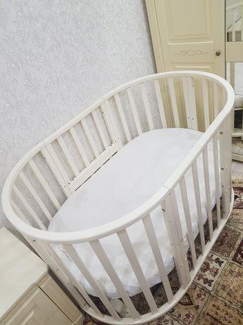 Продам детскую овальную кровать