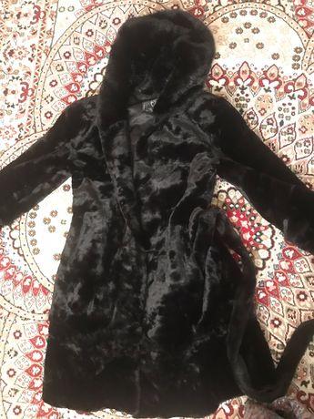 Одежды шуба женская