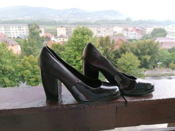 Pantofi COS, mărimea 36-37, piele naturala integral, 24 cm, toc 9 cm