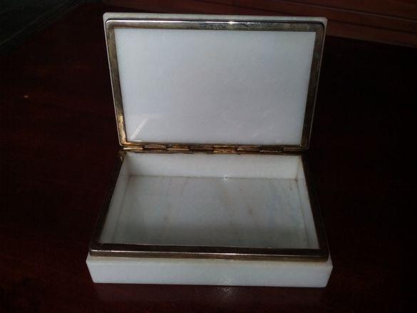Мраморна кутия