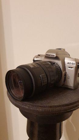 Pentax MZ - 60 cu obiectiv SMC Pentax FA 28-105 mm 1:4-5.6