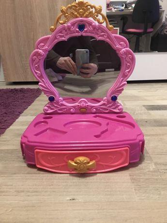 Детска тоалетка с огледало