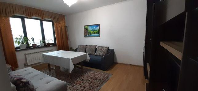 Продам диван в отличном состояний всвязи с переездом.