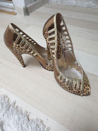 Pantofi decupati piele 37