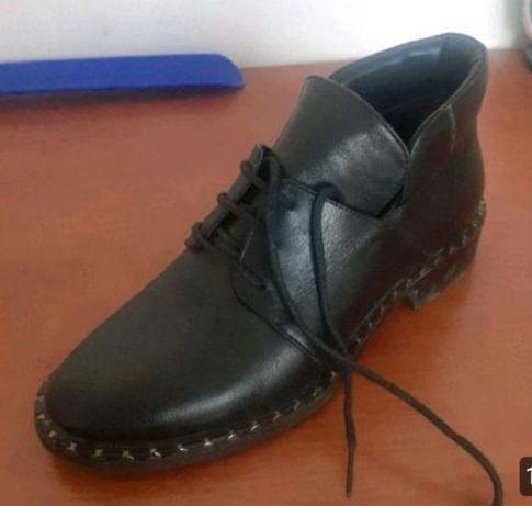 Очень оригинальный женский обувь
