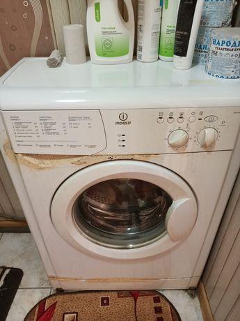 Продам стиральную машину на запчасти!