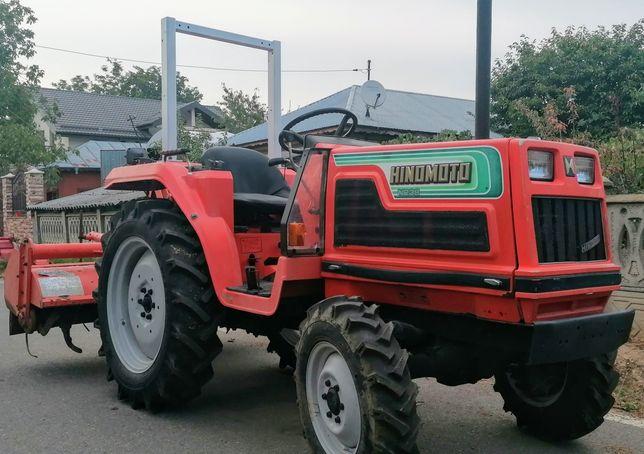 Tractor japonez Hinomoto N 239 4x4 24cp