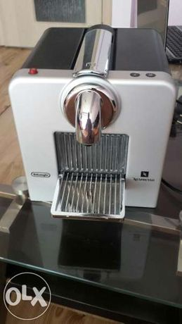 Кафе машина De Longi.Nespresso