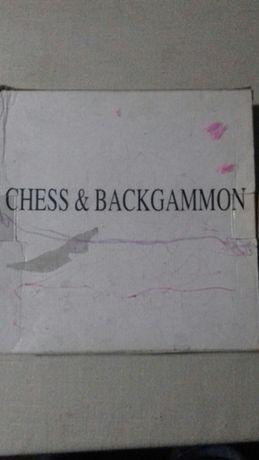 Joc şah și dame pe bucăți cu piese și tablă de joc din sticlă