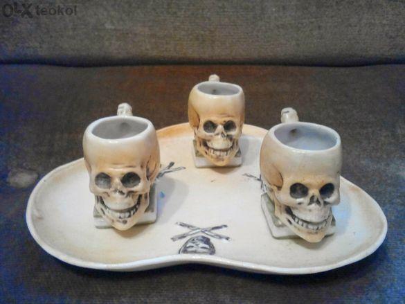 Стар, ретро, пиратски тип, порцелан, сервиз, черепи.