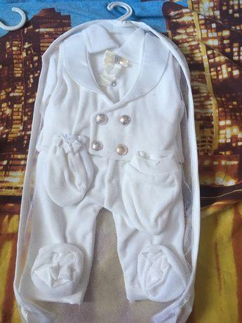 Продам костюм для новорожденного