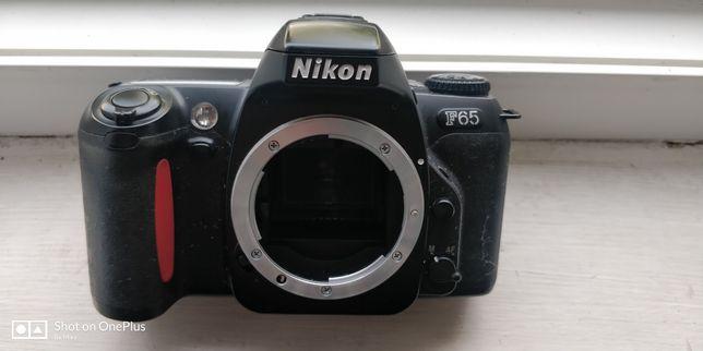 Aparat foto Nikon f65 SLR