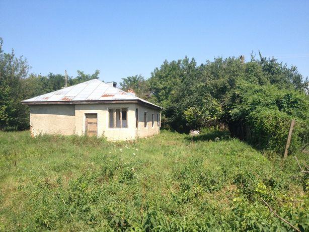 Casa din caramida la 25 km de Focsani cu 1 pogon de teren intravilan