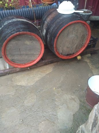 Butoi de vin din lemn