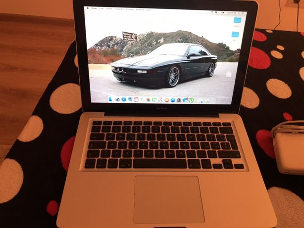 """Macbook 2008 late 13"""""""