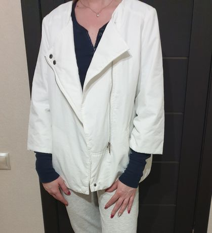 Продам новую весеннюю куртку