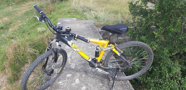 Vand bicicleta full suspension din aluminiu