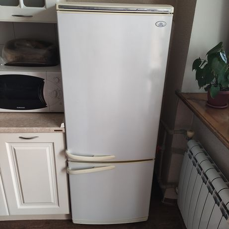 Холодильник Атлант, в хорошем состоянии
