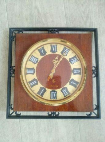 Часы настеннные Янтарь