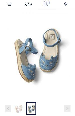 Новые детские сандалии Gap 10 US размер