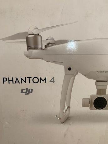 Drona Dji Phantom 4 Standard noua, inca are tiplele pe ea, a fost expu