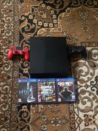 Vând PlayStation4