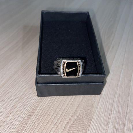 Продам перстень nike