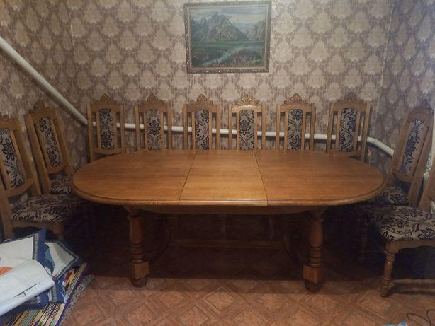 Продаётся гостиный стол и стулья дубовые