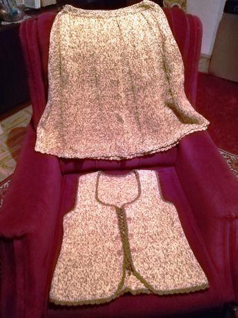 Дамски костюм, ръчно плетиво