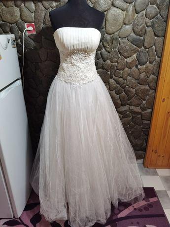 Официална свтабена рокля
