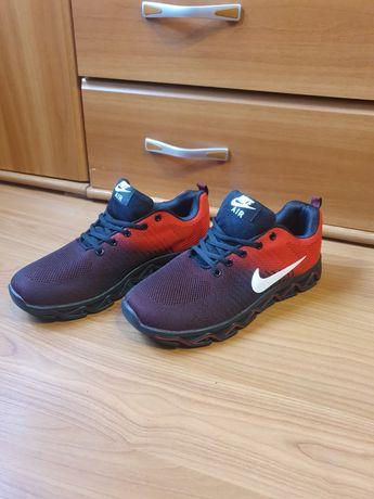 Nike rosu -negru nr 44